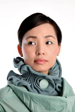 Large_Ruffled_Collar_Scarf